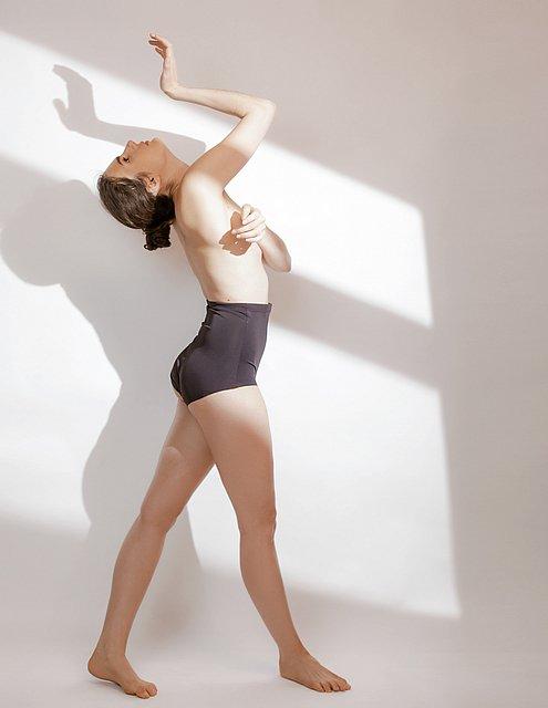 amandine.popina.dance.with.the.shadow 10
